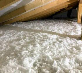 Fúkaná izolácia stropu s trámovým krovom